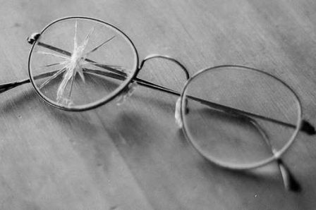 Lunettes-verres-casse